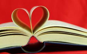 14 лютого у світі відзначають Міжнародний день дарування книг