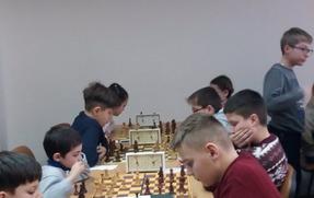 Вітаємо  команду учнів школи із зайнятим ІІІ місцем у міських та обласних змаганнях із шахів «Біла тура»